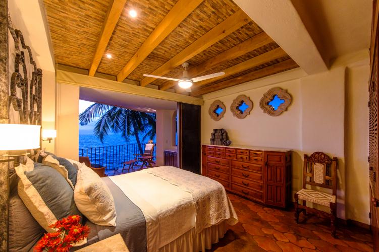 Beachfront Villas Las Brisas in Conchas Chinas 11