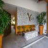 V177 402 Studio Lovers Nest 68