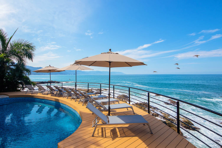 Beachfront Villas Las Brisas in Conchas Chinas 20