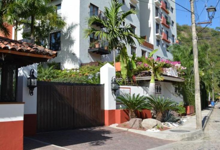 Casa Camartiz at Rivera Cuale 24