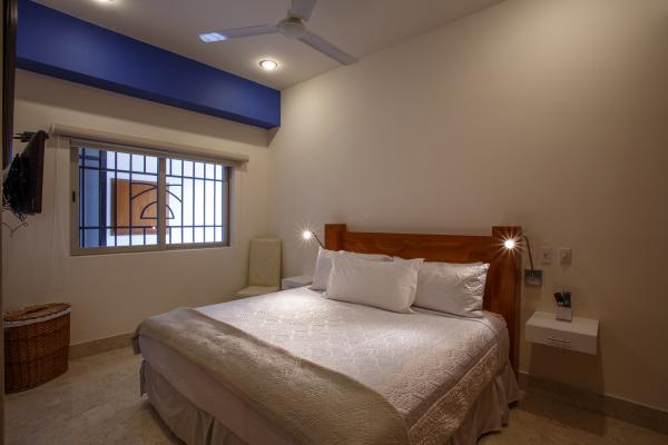 Rivera Molino Penthouse 8 22