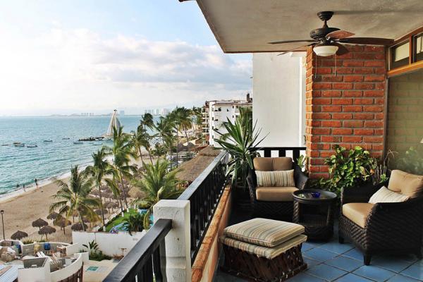 Condo Playa Bonita 601 46