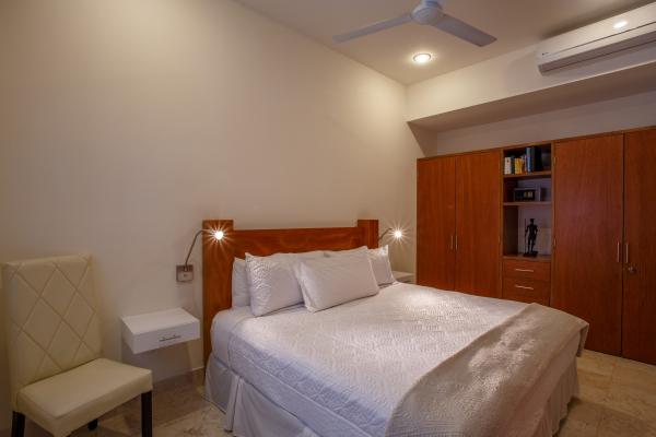 Rivera Molino Penthouse 8 24