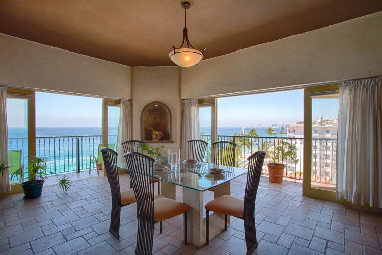 Aurora Del Sol Penthouse One Beach Street Vallarta on Los Muertos Beach 7