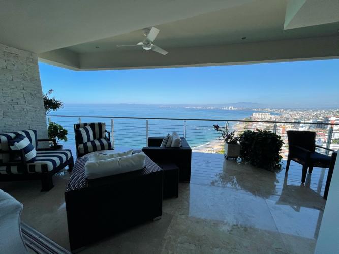 Villa Tranquila Paramount Bay 701A  4