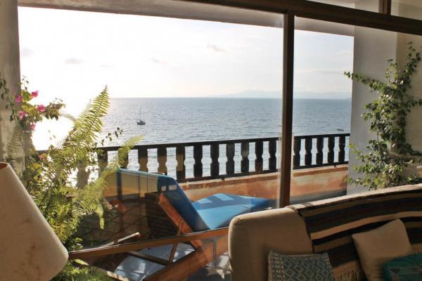 Condo Playa Bonita 601 40