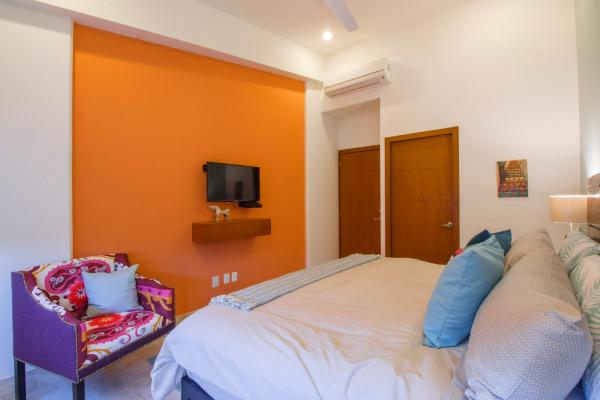 Rivera Molino Penthouse 7  8
