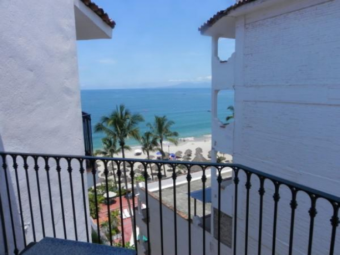 One Beach Street Vallarta 706B 10