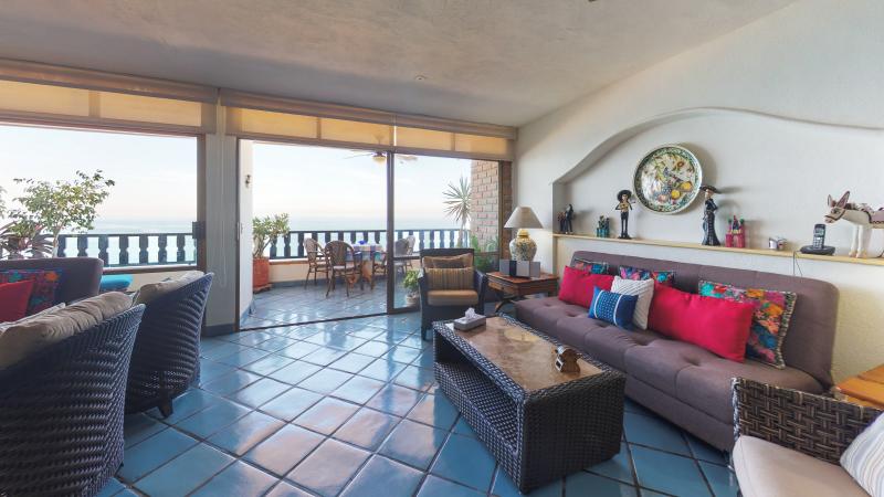 Condo Playa Bonita 601 1