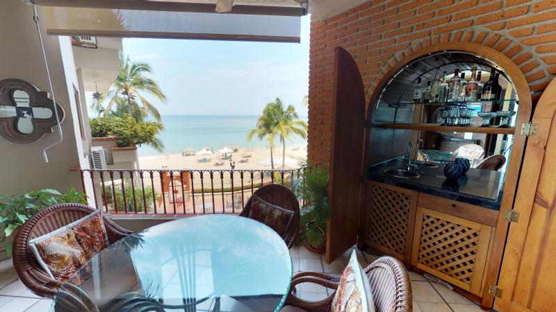 Casa Antonio Beachfront 6
