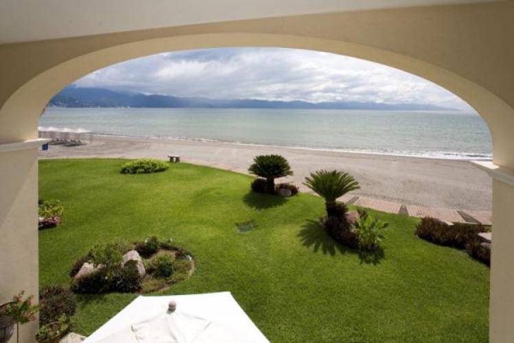 Villa At Bay View Grand 52