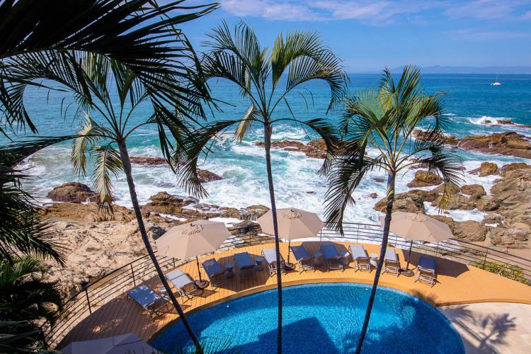 Beachfront Villas Las Brisas in Conchas Chinas 19